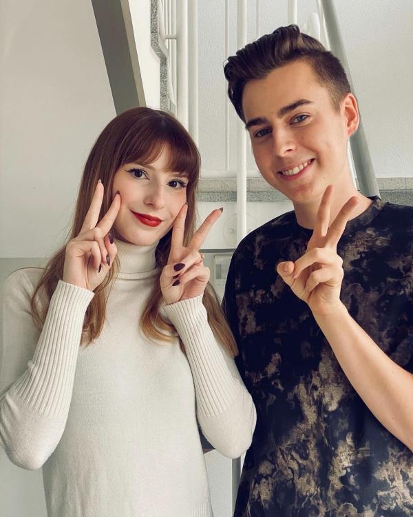 Selfie von zwei jungen Leuten